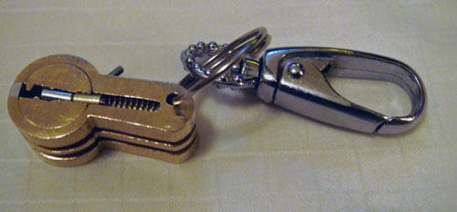 http://www.lockpicker.cz/download/Privesek/verze2.jpg
