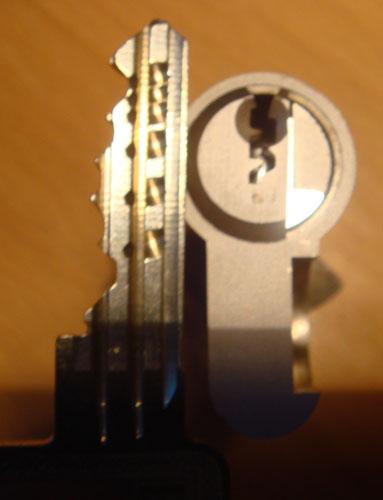 http://www.lockpicker.cz/download/sbirka/cut4.jpg
