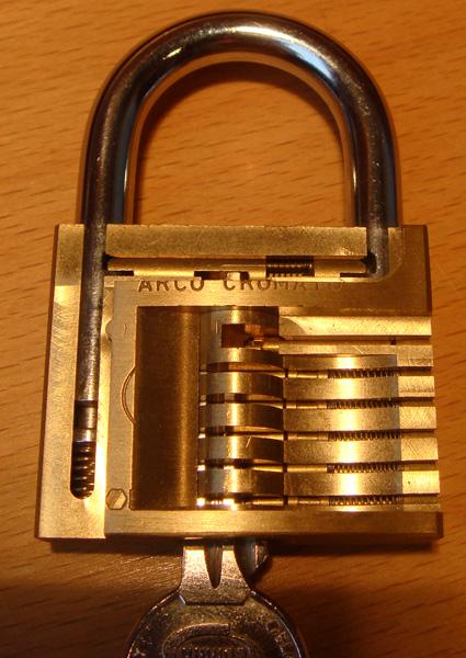 http://www.lockpicker.cz/download/sbirka/cutaway.jpg