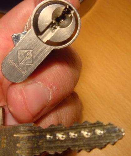 http://www.lockpicker.cz/download/sbirka/pilka.jpg