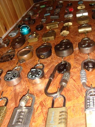http://www.lockpicker.cz/download/sbirka/visaky1.jpg
